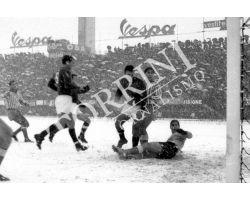 Calcio Fiorentina Spal con neve