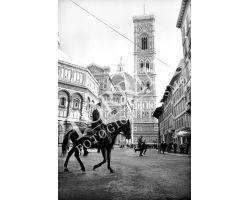 Vigile a  cavallo in Piazza Duomo