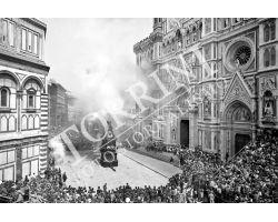 Scoppio del Carro in Piazza Duomo