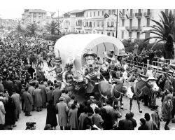 1955 009311  carnevale di viareggio