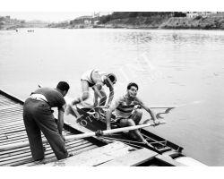1955 04008 Canottieri in Arno