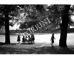 1953 0051 bambini a Lucca