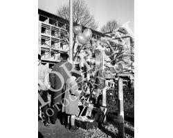 1955 0438 palloncini ai giardini di Bellariva bambini