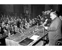 1953 0179 Zoli parla al  Supercinema DC