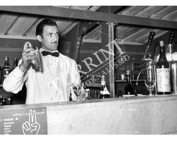 1953 0337 barista
