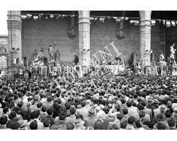 1953 0398 De Gasperi comizio piazza della Signoria