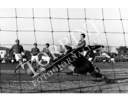 1955 0656 Fiorentina Triestina 54 55 campo neutro di Pisa