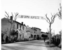 1953 0498 Castelfiorentino Riforma Agraria PCI