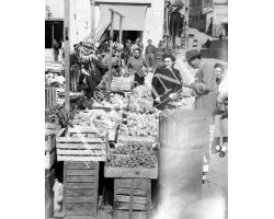 Fucecchio mercato frutta