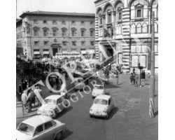 1961 02850 Firenze piazza del duomo