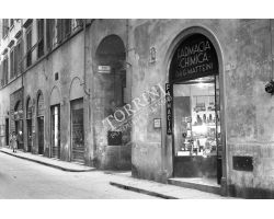 1953  0668 farmacia chimica matteini negozio