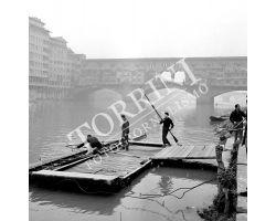 Canottieri in Arno al Ponte Vecchio
