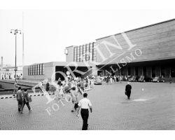 1953 2888 Firenze piazza Stazione