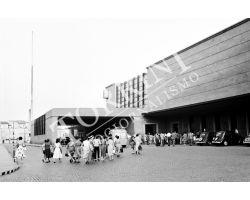 1953 2887 Firenze  Piazza Stazione