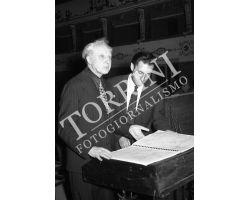 1953 0637 maestri Tokoski e Gian Carlo Menotti