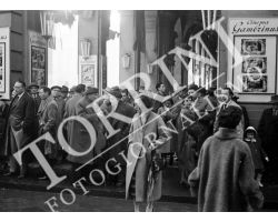1958 00409 cinema gambrinus piazza repubblica