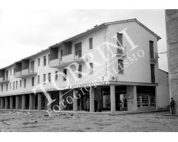 1955  1296 Piazza isolotto  Isolotto nuova farmacia