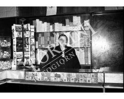 1955 1305 Isolotto tabaccaia