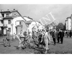1955 06621 Isolotto visita dei sindaci