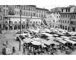 1955 04368 foto storiche firenze loggia del pesce in piazza dei Ciompi