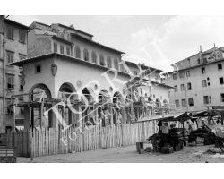 1955 04369 foto storiche firenze ricostruzione  loggia del pesce in piazza dei Ciompi
