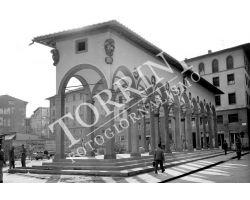 1955 07342 foto storiche firenze logge del Pesce in piazza dei Ciompi