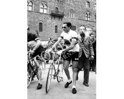 1954 2597  Fausto  Coppi sport- ciclismo