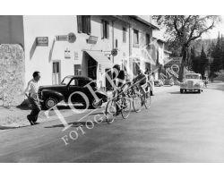 1955 3429 gara ciclistica a Pratolino ristorante Zocchi CICLISMO