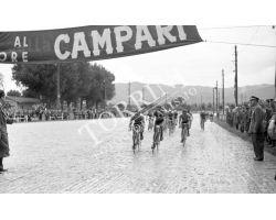 1957 L044 Giro d\'Italia tappa Siena Montecatini 03  ciclismo