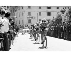 1958 05758 corsa ciclistica giornale del mattino PSI benzina ciclismo