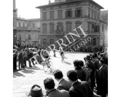 1958 02493 giro della Toscana  bicicletta ciclismo
