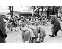 1958 L112 Circuito Campo di Marte Ciclismo 03 bambini affrico