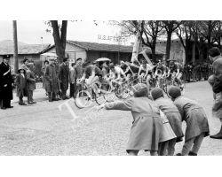 1958 L112 Circuito Campo di Marte Ciclismo 04 bambini affrico