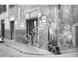 1961 02667 Foto storiche Firenze via dell\'orto camaldoli bar tabacchi san frediano