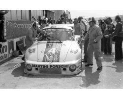 1976 L 11 22 Prova Mondiale Marche al Mugello porsche box