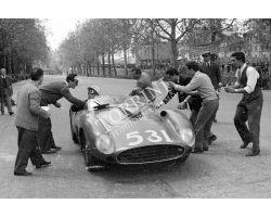 1957 L056 corsa automobilistica Ferrari 08 alla Fortezza da Basso