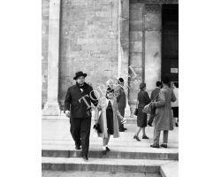 1955 06953 Orson Welles con Rebecca a Pisa