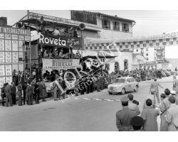 1954 2424 arrivo del giro automobilistico della Toscana