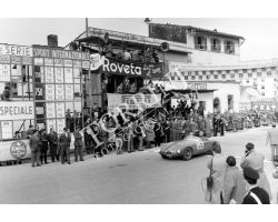 1954 2425 arrivo del giro automobilistico della Toscana