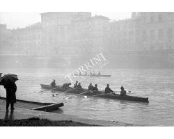 1957  00025 canottieri ponte vecchio