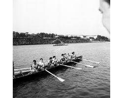 1958 05009 Canottieri in Arno Lungarno del Tempio