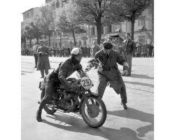 1957 03100  corsa motociclismo Gilera