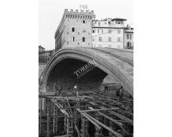 cantiere costruzione ponte santa trinita