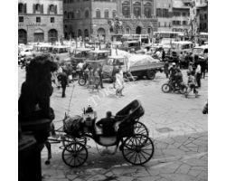 Foto storiche Firenze fiaccheraio in Piazza Signoria
