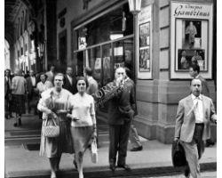 1958 05905 portici piazza repubblica cinema Gambrinus