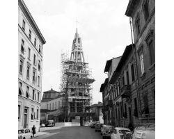 1962 03082 campanile della chiesa di Capodimondo via masaccio
