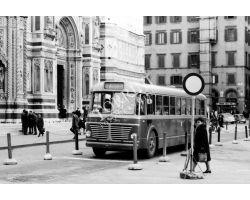 Foto storiche Firenze Autobus in Piazza Duomo