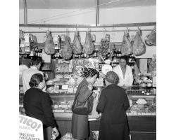Foto storiche Firenze  negozio alimentari