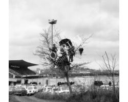 Stadio Arezzo tifosi fuori dallo stadio nel 1974