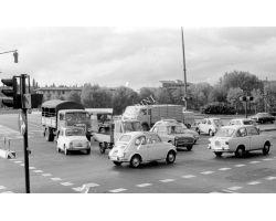 1971 L35 traffico al ponte Da Verrazzano auto Fiat 500 850 bianchina 01